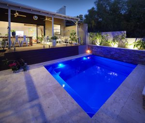 4-7m-plunge-pool-royal-blue-shimmer-east-fremantle-3-min