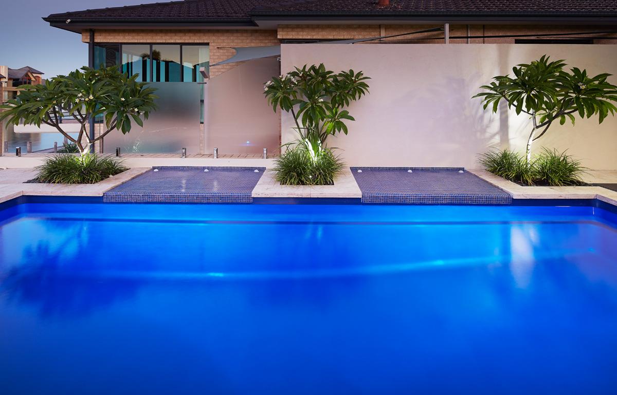 7-2mVenetianSlimLineswimmingpool6