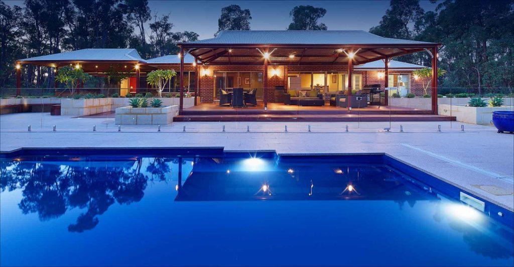 pool-monaco